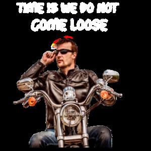 骑摩托车的男人